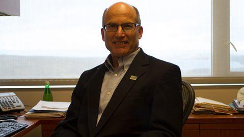 Warren-Schlesinger-Ithaca-Professor